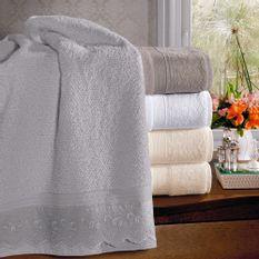 jogo-de-toalhas-5-pecas-em-algodao-500-gramas-por-metro-quadradoe-aplicacao-de-renda-bouton-emily-Cor-Branco-vitrine
