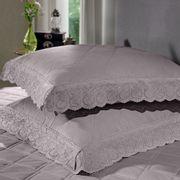 cobre-leito-king-size-180-fios-e-2-porta-travesseiros-com-renda-bouton-dely-Cor-Bege