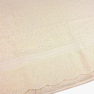 jogo-de-toalhas-5-pecas-em-algodao-500-gramas-por-metro-quadradoe-aplicacao-de-renda-bouton-dely-perola-detalhe