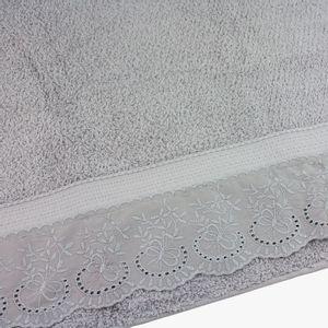 jogo-de-toalhas-5-pecas-em-algodao-500-gramas-por-metro-quadradoe-aplicacao-de-renda-bouton-dely-cinza-detalhe