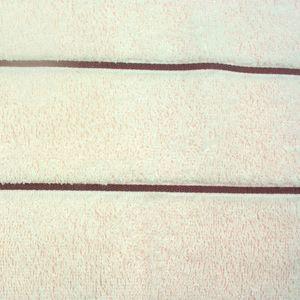 toalha-de-banho-gigante-em-algodao-81x150cm-bouton-capri-listras-cor-perola-com-listra-bege-detalhe