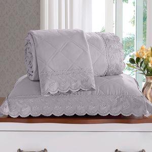 cobre-leito-3-pecas-queen-size-180-fios-e-2-porta-travesseiros-com-renda-bouton-maisa-cor-cinza-still