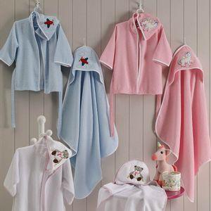 roupao-infantil-tamanho-12-a-18-meses-com-capuz-felpudo-bordado-lufamar-vitrine