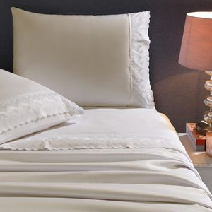 jogo-de-cama-queen-size-4-pecas-em-poliester-com-renda-buettner-florine-cor-perola-vitrine