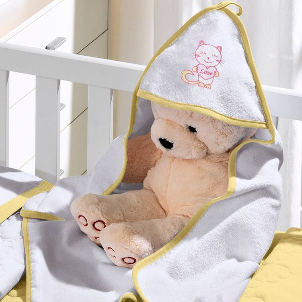 toalha-com-capuz-felpudo-para-bebe-bordada-com-vies-kitty-love-amarelo-buettner-baby-vitrine