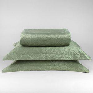 colcha-microfibra-king-size-em-matelasse-sem-costura-com-dois-porta-travesseiros-buettner-lotus-verde-principal