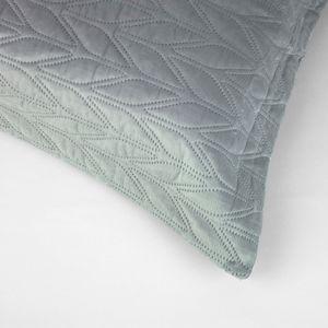 colcha-microfibra-king-size-em-matelasse-sem-costura-com-dois-porta-travesseiros-buettner-amir-cinza-detalhe
