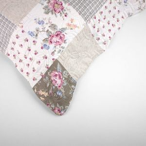colcha-queen-size-em-matelasse-com-um-porta-travesseiro-buettner-anitas-detalhe