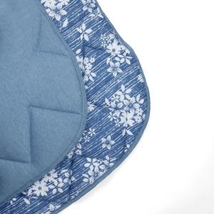 edredom-em-malha-king-size-240x260cm-em-algodao-estampado-buettner-basic-gabriela-azul-jeans-detalhe