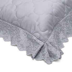porta-travesseiro-avulso-50x70cm-com-aba-com-renda-300-fios-combina-com-cobre-leito-buettner-sahar-cor-cinza-detalhe